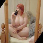fille ronde rousse énormes seins lourds