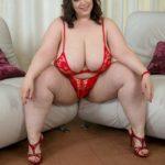 grosse femme en lingerie