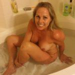 maman sous la douche