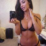 latina sexy selfie